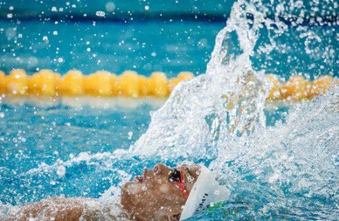 Tocantinense é campeão mundial de 100m costas no México